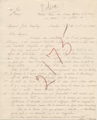 Lettre manuscrite, en français. Un mot illisible a été ajouté au-dessus du texte, de même que le numéro 2175 en gros caractères sur le corps de la lettre. Celle-ci est écrite sur papier ligné et a été percée d'un trou dans le coin supérieur gauche.