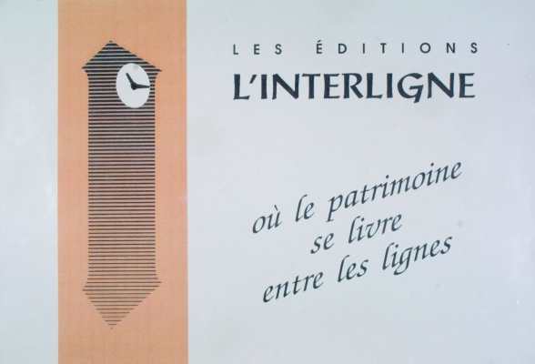 Colour poster, in French. On the left, the stylized image of a grandfather clock, drawn in black on a brown background. On the right, the name and slogan of the publishing house, printed in black on a gray background.